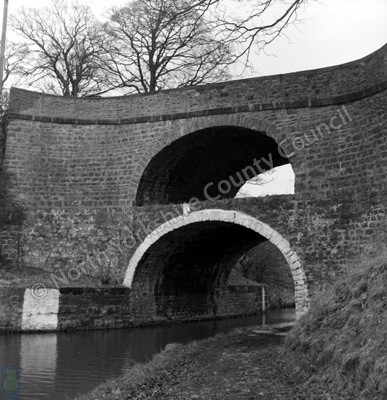 Leeds-Liverpool Canal and Double Bridge, East Marton